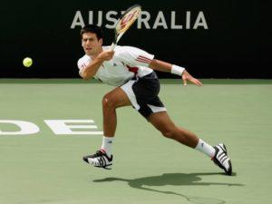 テニス 不安定な返球姿勢