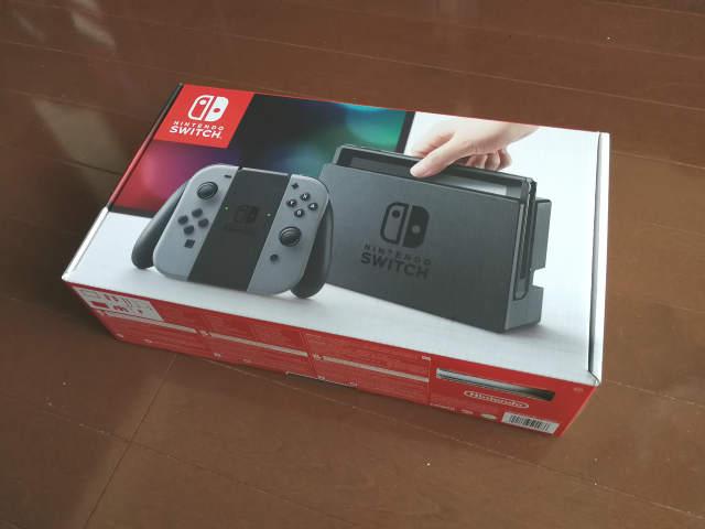 米国版Nintendo Switch パッケージ外観