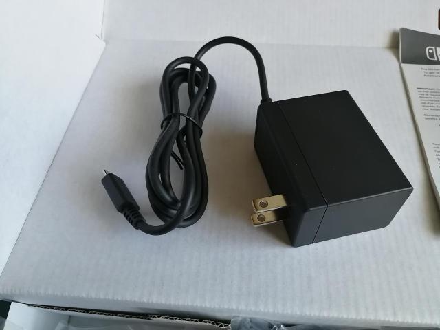 米国版Nintendo Switch 電源アダプタ
